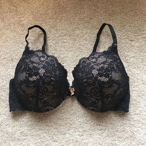 Excellent condition Victoria's Secret pushup bra